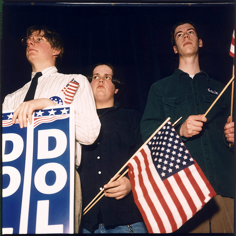 FANS_DOLE_3 boys & flag-75 copy